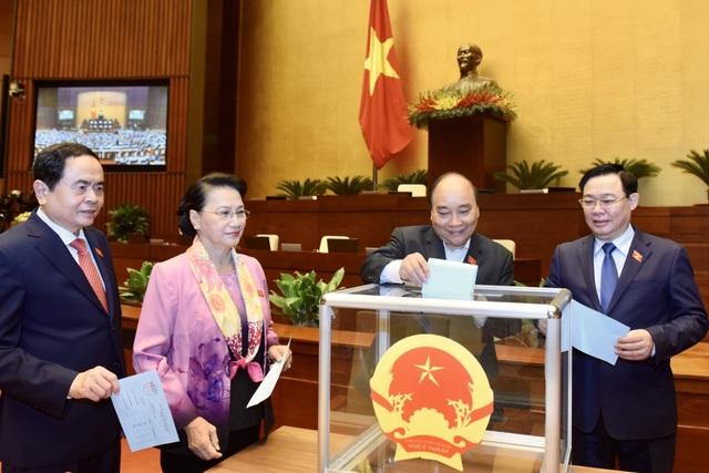 Chủ tịch nước Nguyễn Phú Trọng trình miễn nhiệm Thủ tướng Nguyễn Xuân Phúc - 2