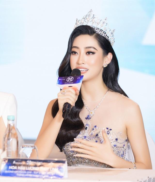 Trần Tiểu Vy, Lương Thùy Linh đáp trả khi bị nghi ngờ khả năng giám khảo - 3