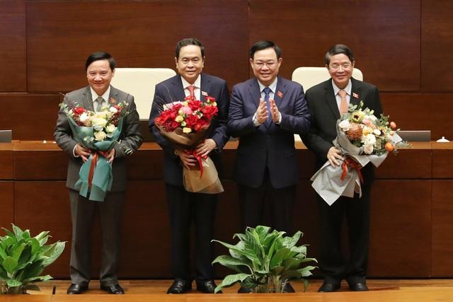 1 Ủy viên Bộ Chính trị, 2 Ủy viên Trung ương đắc cử Phó Chủ tịch Quốc hội - 3
