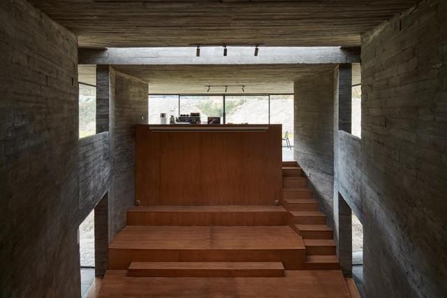 Quán cà phê kiêm hiệu sách, nằm giữa cánh đồng ở ngôi làng cổ 800 năm tuổi - 11