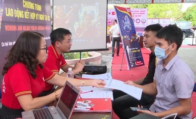 Hơn 43.000 lượt lao động Quảng Bình được tuyển chọn và giới thiệu việc làm - 1
