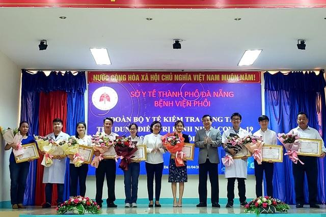 Thứ trưởng Bộ Y tế kiểm tra công tác điều trị Covid-19 tại Đà Nẵng - 2