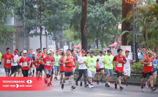 Techcombank  marathon: Cùng cộng đồng vượt trội hơn mỗi ngày trong bình thường mới - 1