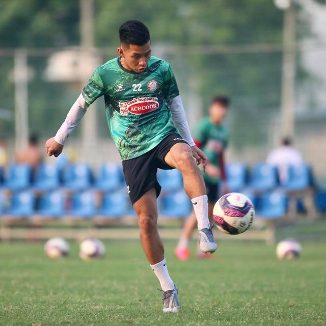 Sau Hoàng Thịnh, CLB TPHCM tiếp tục nhận tin không vui từ Lee Nguyễn - 2