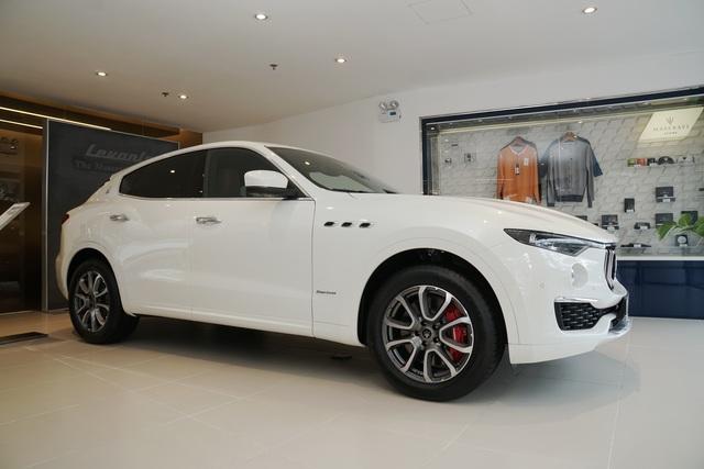 Ngắm nội thất tinh tế Ermenegildo Zegna trên chiếc Maserati Levante - 1