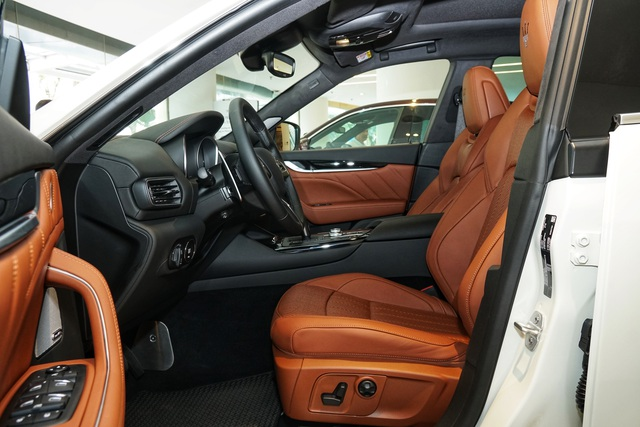 Ngắm nội thất tinh tế Ermenegildo Zegna trên chiếc Maserati Levante - 4