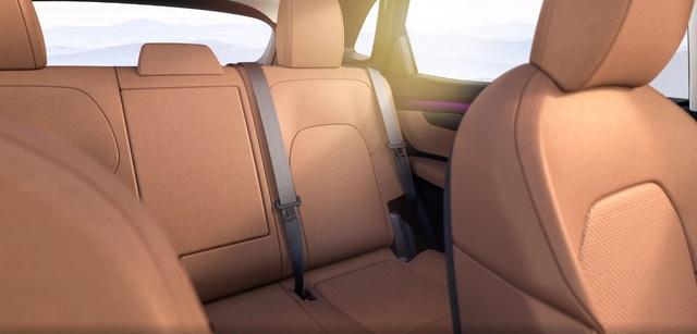 Xe điện VinFast VF e35 lộ diện với kích thước ngang BMW X3, sẽ bán tại Mỹ - 9