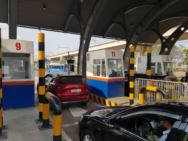 Xả trạm liên tục, giao thông vẫn tắc cứng tại trạm BOT xa lộ Hà Nội - 7