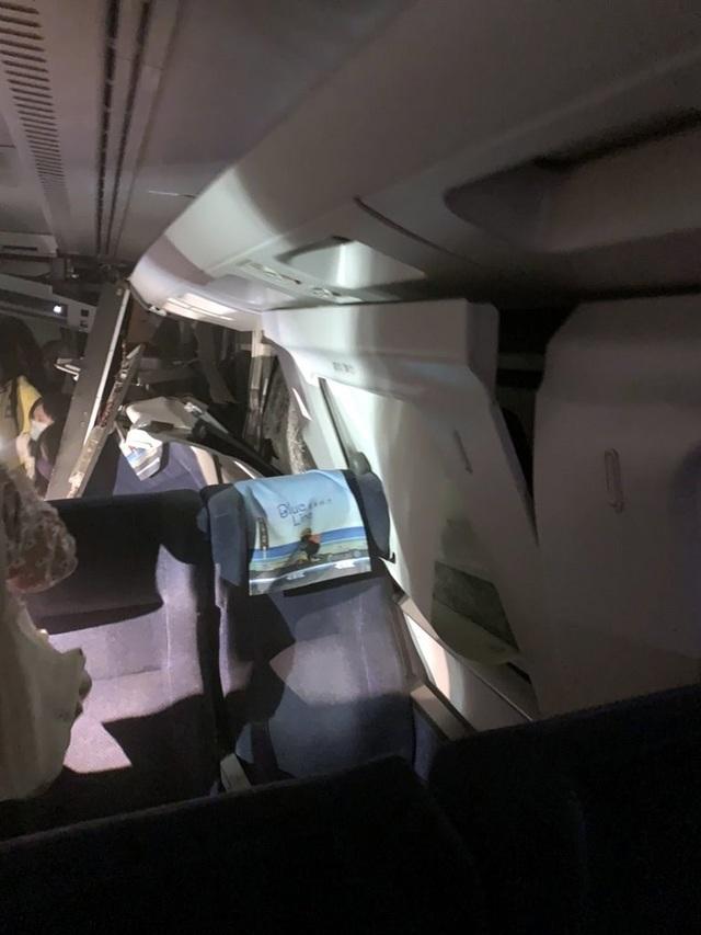 Tàu Đài Loan đụng xe tải, đâm vào vách hầm chui, ít nhất 36 người chết - 4