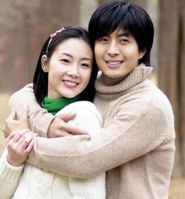 Hôn nhân viên mãn với chồng kém 9 tuổi khiến Choi Ji Woo ngày càng trẻ đẹp! - 7