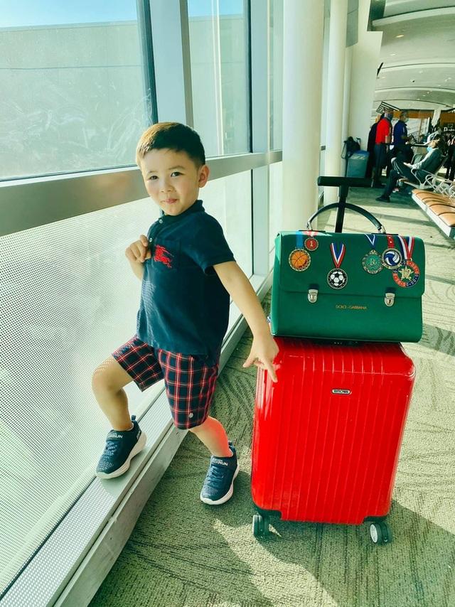 Con trai Đan Trường mặc đồ hiệu đắt đỏ đi du lịch Hawaii chào hè - 1