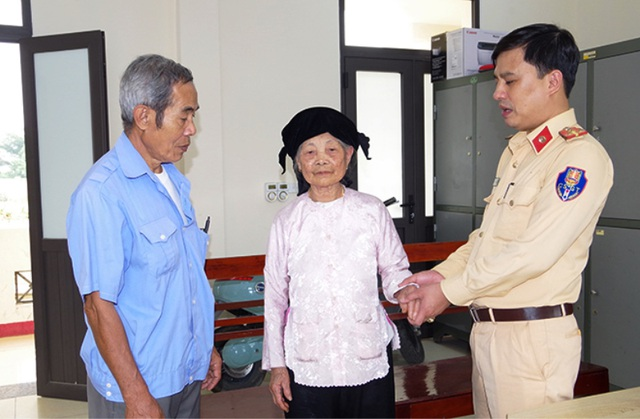 Cụ bà 90 tuổi đi lạc tới 16km khi thăm chùa Tam Chúc - 1