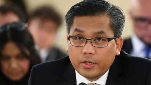 Đại sứ bị tố phản quốc kêu gọi các nước cắt đầu tư vào Myanmar - 1