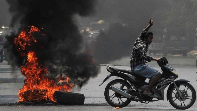 Kinh tế Myanmar tê liệt hậu binh biến - 1
