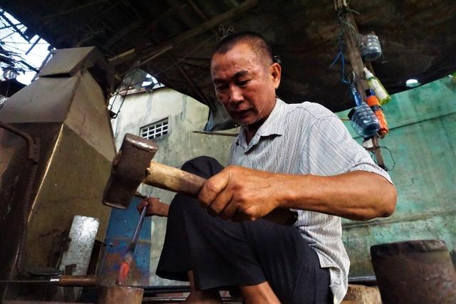 Nỗi niềm người thợ cuối cùng tại làng nghề rèn Lai Châu - 1