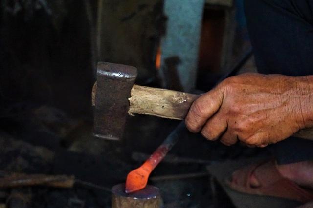 Nỗi niềm người thợ cuối cùng tại làng nghề rèn Lai Châu - 3