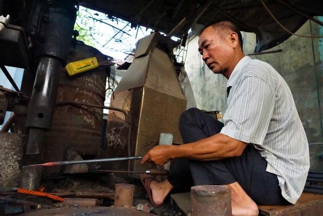 Nỗi niềm người thợ cuối cùng tại làng nghề rèn Lai Châu - 4