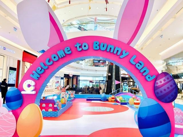 Sân golf cho bé tại Crescent Mall mừng lễ hội Phục Sinh - 1