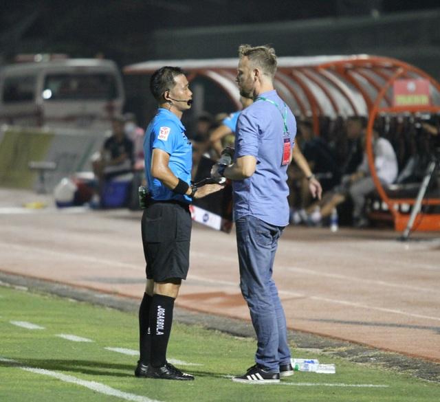 Lee Nguyễn không thi đấu, CLB TPHCM thua đậm Bình Định trên sân nhà - 12