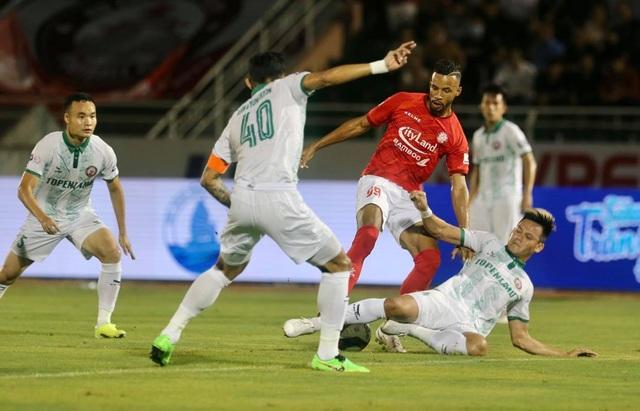 Lee Nguyễn không thi đấu, CLB TPHCM thua đậm Bình Định trên sân nhà - 3