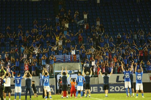 Thắng nhẹ B.Bình Dương, Than Quảng Ninh vẫn bay cao ở V-League - 3