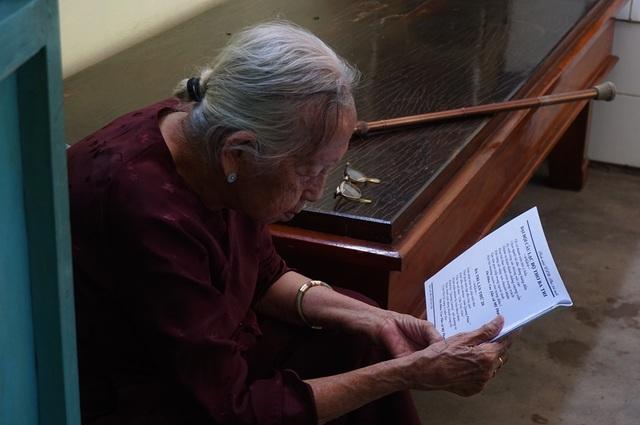 Kỷ lục gia 101 tuổi vẫn làm thơ chia sẻ bí quyết để khỏe mạnh, minh mẫn - 2