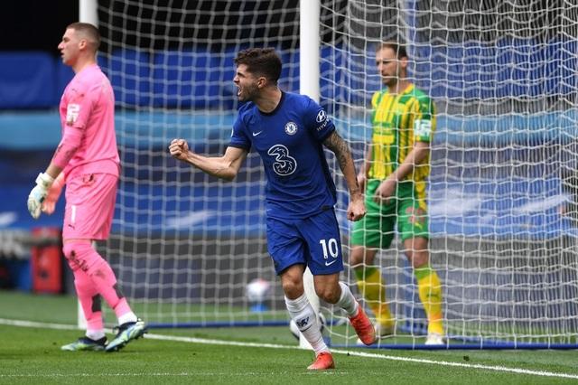 Chelsea 2-5 West Brom: Tấm thẻ đỏ của Silva kéo sập Stamford Bridge - 1