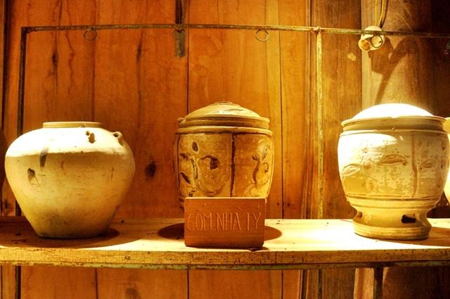 Choáng ngợp với kho tàng 50 nghìn cổ vật và 5 căn nhà cổ của Hưng đồ cổ - 9