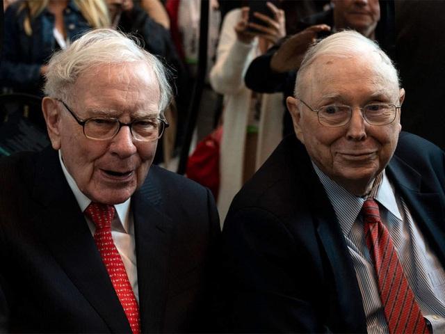 Điều hành đế chế đầu tư 40 năm, Warren Buffett nhận lương bao nhiêu? - 2
