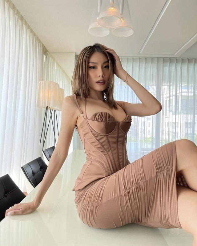 Nhịp sống hot girl: Hà Trúc công khai, Châu Bùi úp mở chuyện tình cảm - 19