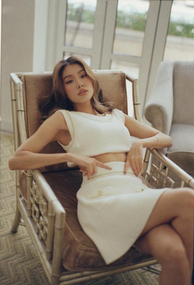 Nhịp sống hot girl: Hà Trúc công khai, Châu Bùi úp mở chuyện tình cảm - 18