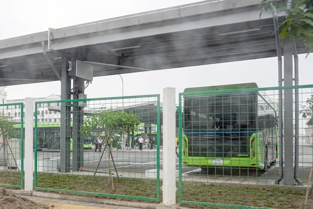 Xe buýt điện VinBus bắt đầu chạy thử nghiệm tại Hà Nội - 4