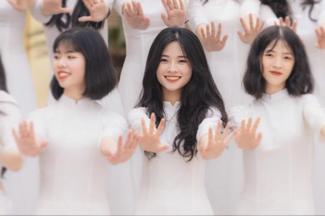 Vẻ đẹp tinh khôi của nàng thơ Bắc Giang trong ảnh kỷ yếu - 10