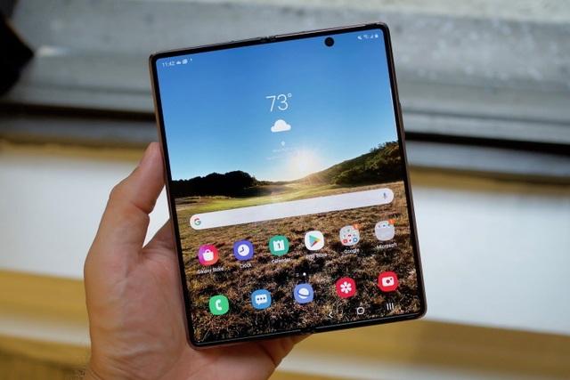 Loạt smartphone giảm giá cả chục triệu đồng đầu tháng 4 - 1