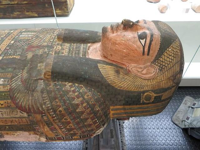 Phát hiện bất ngờ về xác ướp người phụ nữ Ai Cập 2.600 năm tuổi nổi tiếng - 1