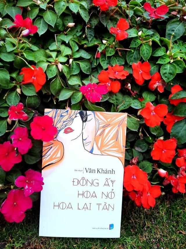 Đông ấy hoa nở hoa lại tàn: Hứa hẹn cho dòng văn học mới Doanh đấu - 1