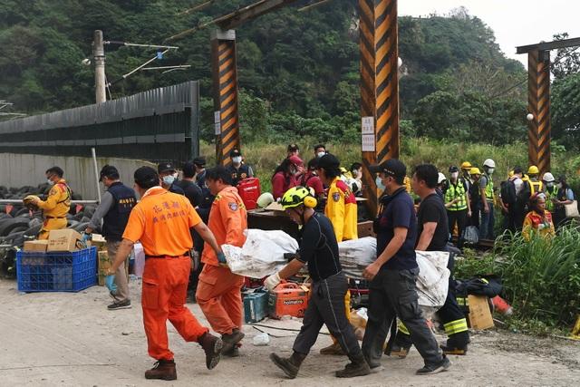 Địa ngục trên tàu Đài Loan sau cú đâm kinh hoàng nhất 4 thập niên - 3