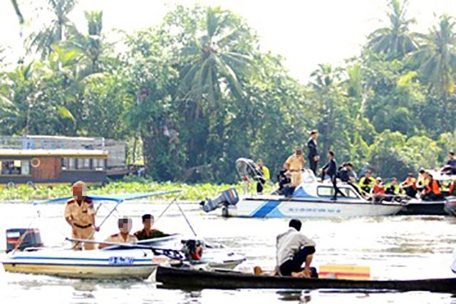 Đình chỉ 3 CSGT Bình Dương nghi làm luật trên sông Đồng Nai - 1