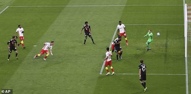 Bayern Munich tiến sát ngôi vô địch, Haaland bất lực cùng Dortmund - 2