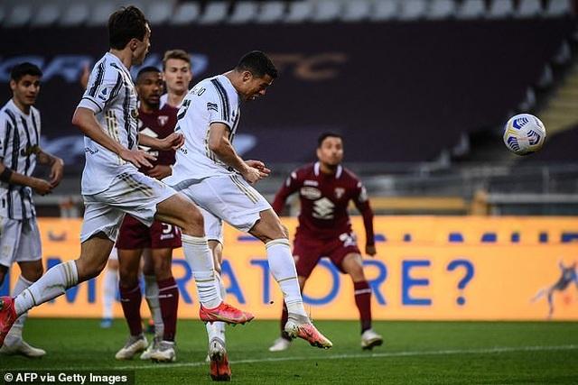 C.Ronaldo lập công nhưng không thể cứu nổi Juventus - 4