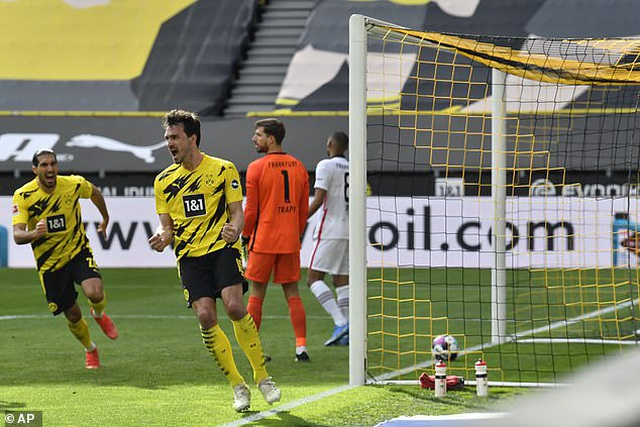 Bayern Munich tiến sát ngôi vô địch, Haaland bất lực cùng Dortmund - 11