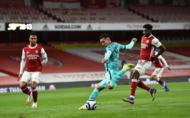 Arsenal 0-3 Liverpool: Bùng nổ trong 18 phút - 2