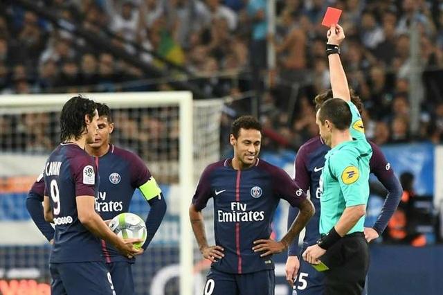Choáng với số lần Neymar bị đuổi khỏi sân, báo hại PSG - 1