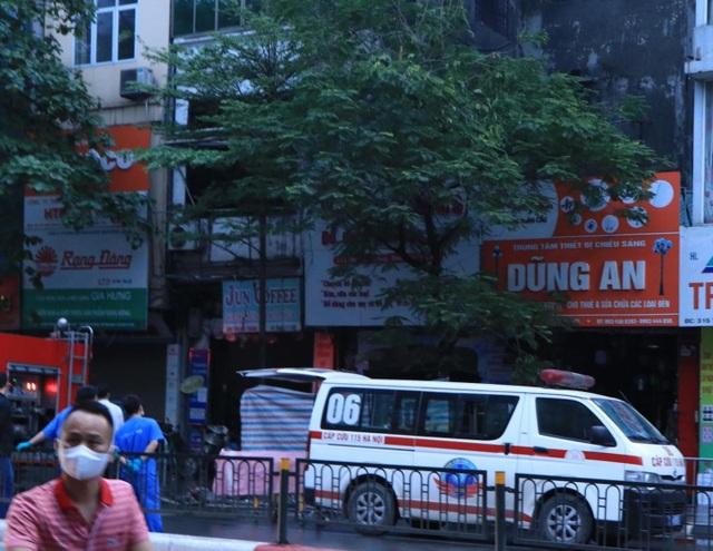 Hà Nội: Cháy lớn ở cửa hàng đồ sơ sinh, 4 người trong gia đình tử vong - 8