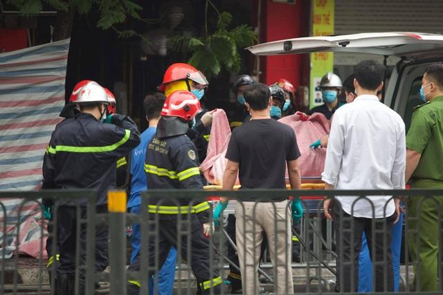 Hà Nội: Cháy lớn ở cửa hàng đồ sơ sinh, 4 người trong gia đình tử vong - 4