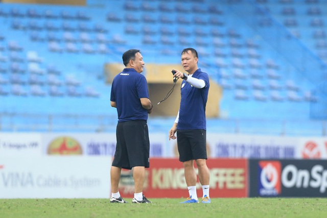 HLV Hoàng Văn Phúc chính thức ra mắt CLB Hà Nội - 4