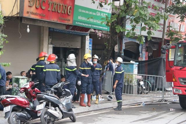 Hà Nội: Cháy lớn ở cửa hàng đồ sơ sinh, 4 người trong gia đình tử vong - 5