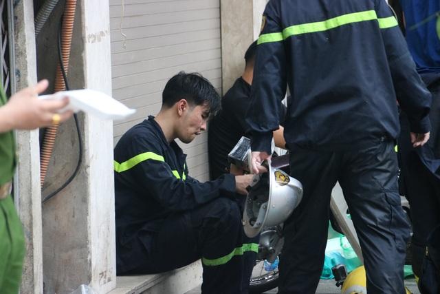 Hà Nội: Cháy lớn ở cửa hàng đồ sơ sinh, 4 người trong gia đình tử vong - 12