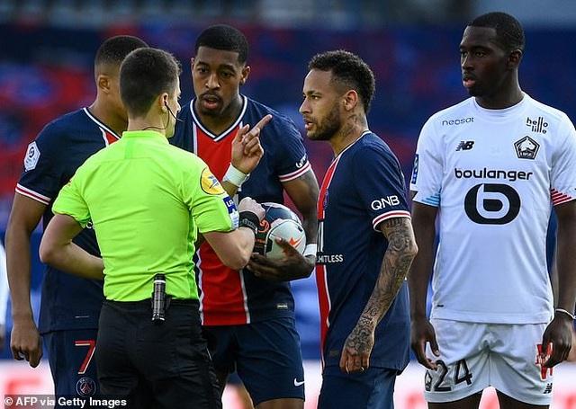 Neymar bị đuổi khỏi sân, PSG mất ngôi đầu bảng về tay kình địch Lille - 4