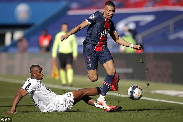 Neymar bị đuổi khỏi sân, PSG mất ngôi đầu bảng về tay kình địch Lille - 3